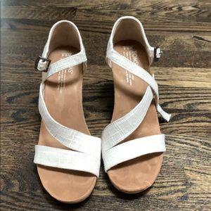 Toms wedge sandals 8.5